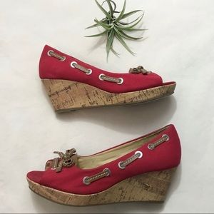 EUC G.H. Bass & Co Kitchy red peep toe wedges 8